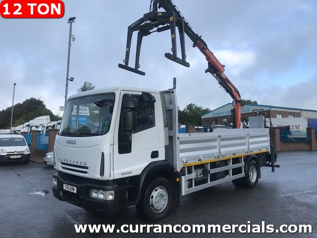 2012 iveco 120e22 12 ton 16ft dropside flat with crane