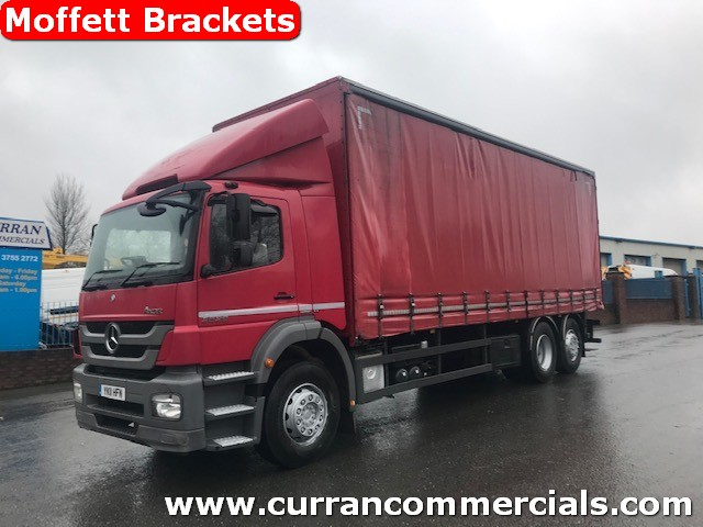 2011 mercedes axor 2529 6x2 curtainsider with moffett mounty brackets