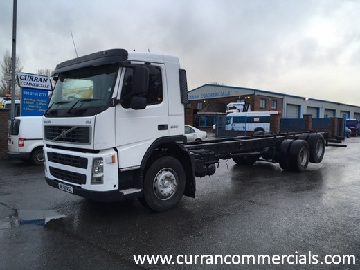 2006 volvo fm 260 6x2 26 ton 30ft chassie cab for sale