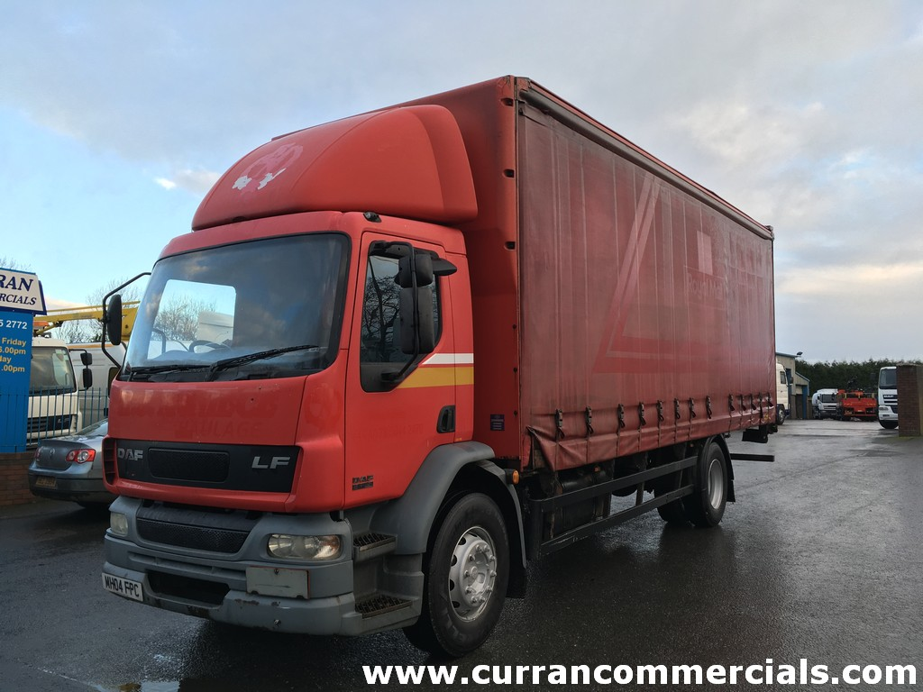 2004 04 Daf LF 55 220 18 Ton 4x2 26ft Curtainsider for sale