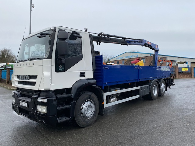 2013 iveco stralis 310 6x2 26 ton flat with crane and brick grab