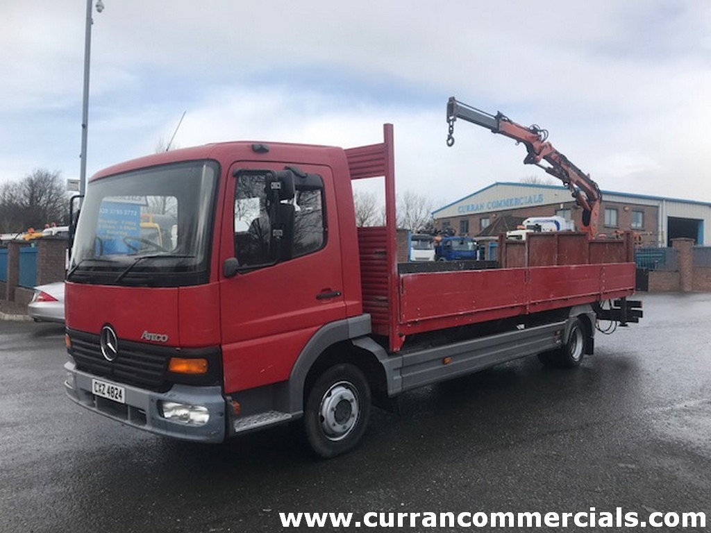 2002 mercedes atego 815 7.5 ton dropside flat with crane