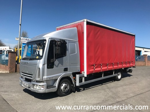 2007 iveco 75e16 7.5 ton sleeper cab with 20ft curtainsider and tail lift