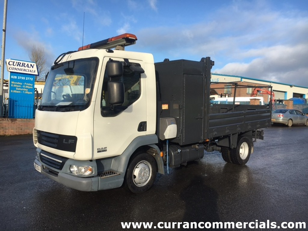 2006 daf lf 45 140 7.5 ton tipper with swing crane for sale