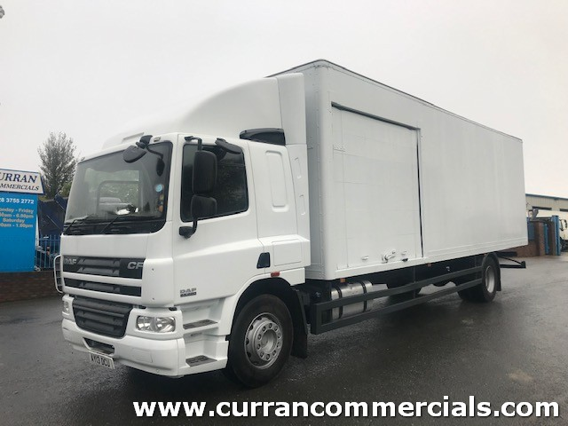 2013 daf cf 65 220 4x2 18 ton 30ft grp box with side doors
