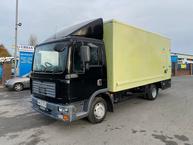 2009 man tgl8.150 7.5 ton 17ft box with tail lift