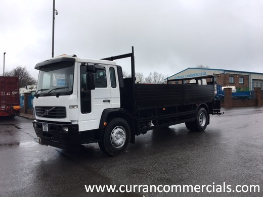 2004 volvo fl220 4x2 18 ton dropside flat with crane mounts for sale