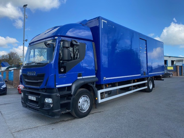 2013 iveco stralis 310 4x2 18 ton on air 30ft grp box