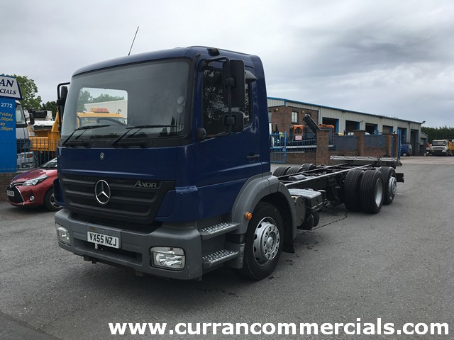 2006 mercerdes 2528 axor 6x2 26ft chassis cab with tail lift for sale