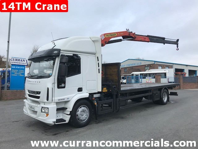 2010 iveco 180e25 18 ton flat with 14tm crane