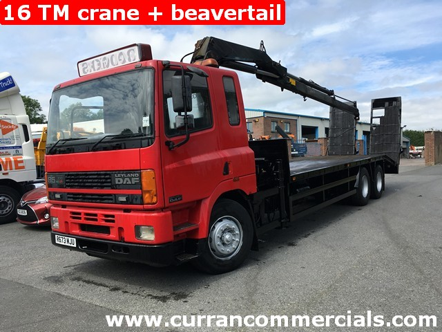 1998 Daf CF 85. 330 on air 6X2 beavertail with 16tm Crane